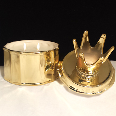 23% OFF! Gold Crown with Frankincense & Myrrh Candle